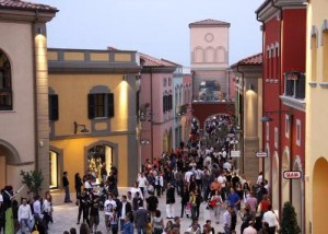 outlet village città sant'angelo